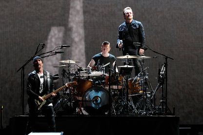 "U2 pendant leur tournée mondiale ""The Joshua Tree Tour 2017"", le 20 juin 2017 à Landover, Maryland."