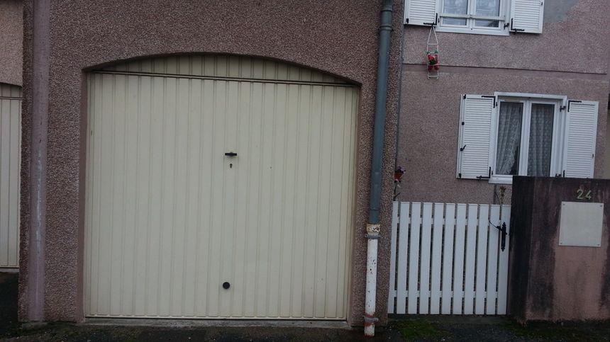 Le froid entre surtout par les portes de garage affirment les locataires.