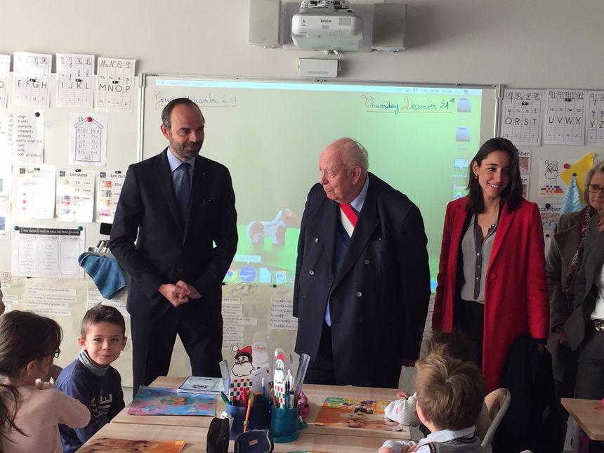 Edouard Philippe avec le maire de Marseille Jean-Claude Gaudin et la secrétaire d'Etat Brune Poirson