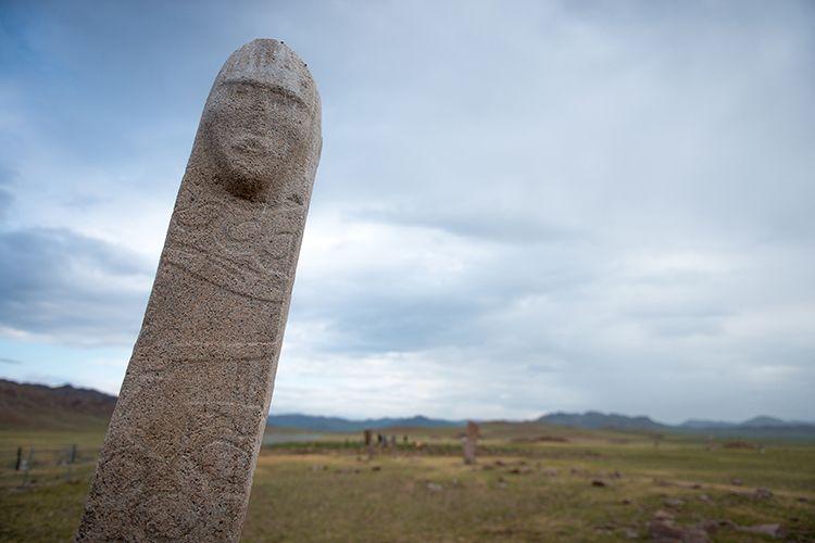 : monolithe sculpté de UUlan Uushig, Mongolie, cl.