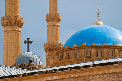 Les toits de la cathédrale orthodoxe Saint-George et la mosquée Mohammad Al-Amin au Liban.