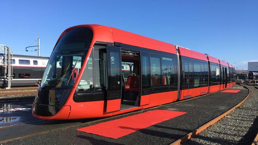 La nouvelle rame du tramway niçois présentée à la Rochelle