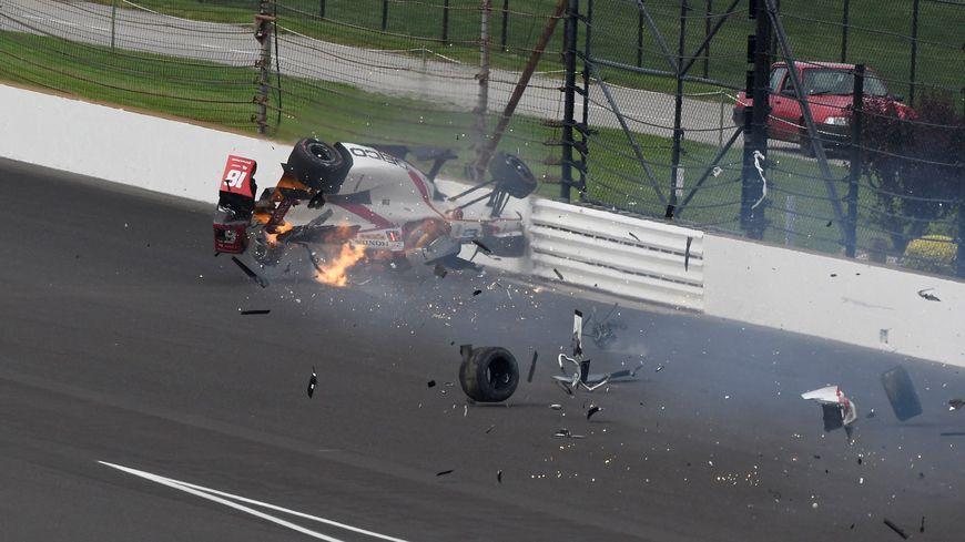 Le 20 mai, le pilote sarthois Sébastien Bourdais s'écrase en pleine vitesse contre le mur du circuit d'Indiannapolis. A peine 3 mois plus tard, il reprenait le volant.