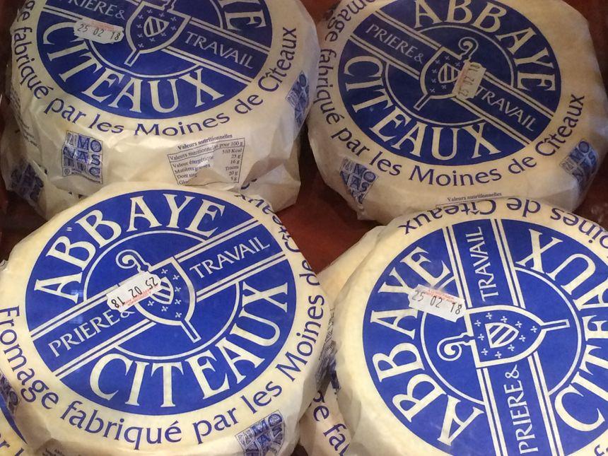 Le fromage de Cîteaux est vendu 18 euros/kilo au magasin de l'abbaye.