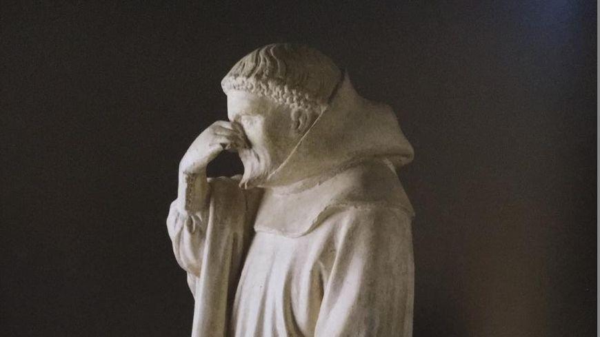 Le pleurant du tombeau de Philippe le Hardi au coeur de la crise