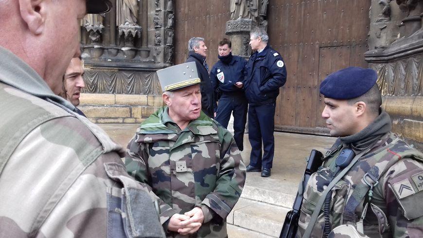 7 000 hommes de l'opération Sentinelle seront mobilisés les 24 et 25  décembre en France.