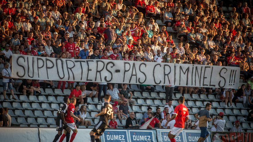 Les supporters nîmois seront 500 au maximum à Geoffroy Guichard