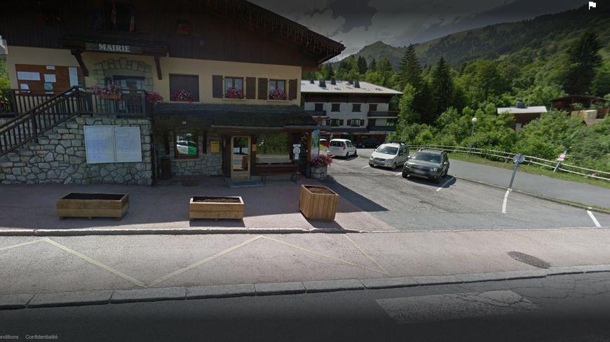 L'employée municipale se rendait au travail quand elle a été tuée sur le parking de la mairie de Cordon en Haute-Savoie