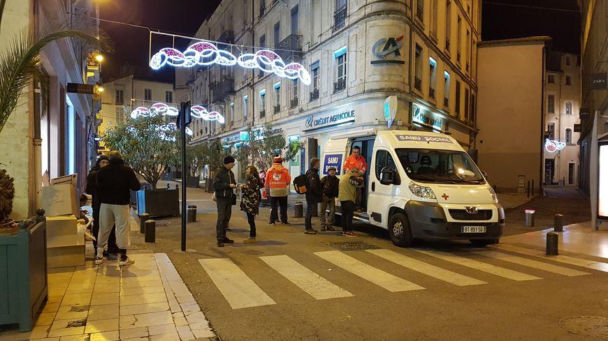 Le Samu Social assure la maraude chaque soir dans les rues de Nîmes pendant la période hivernale.