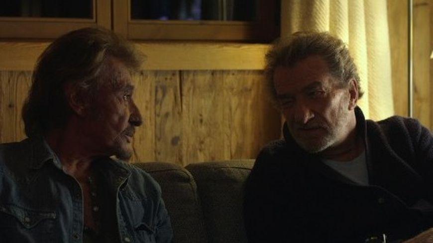 "Eddy Mitchell et Johnny Hallyday dans ""Salaud on t'aime""."