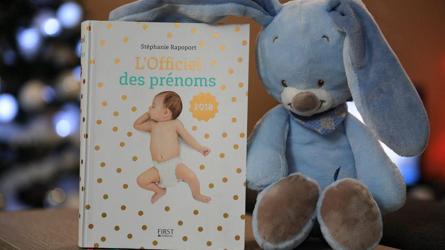 Pour aider les parents, plusieurs guides existent sur l'origine et la fréquence des prénoms