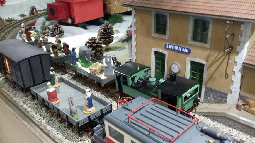 Les santons aussi prennent le train pour aller à Boucieu-le-Roi
