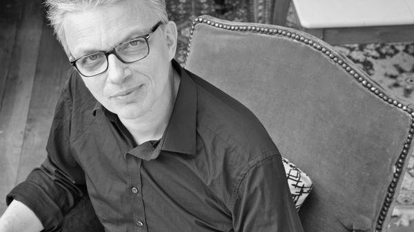 Christian Rivet, guitariste, luthiste et compositeur, invité de Musique Matin