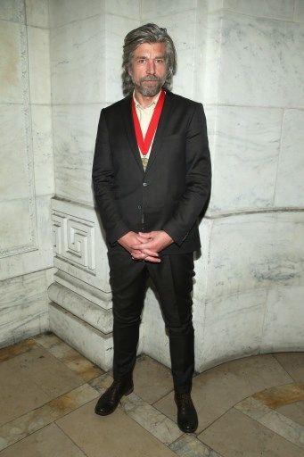 Le romancier norvégien Karl Ove Knausggard assiste à la cérémonie des Lions de la Bibliothèque 2015 le 2 novembre 2015 à New York.
