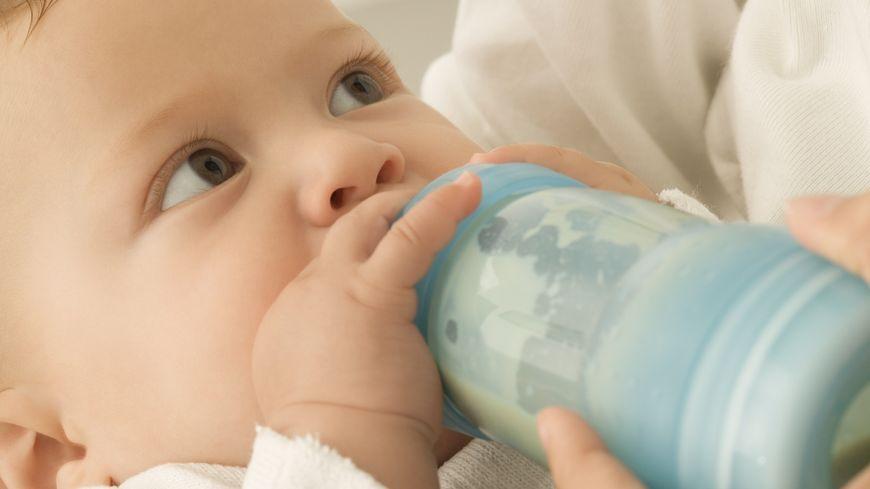 Les douze lots de laits infantiles sont commercialisés sous les marques Lait Picot SL sans lactose, 1er âge 350g, Lait Pepti Junior sans lactose, 1er âge 460g, et Lait Milumel, Bio 1er âge 900g, sans huile de palme