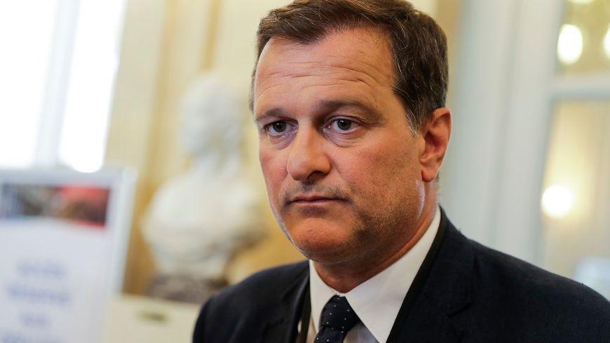 Louis Aliot, vice-président du Front national, est à son tour mis en examen dans l'affaire des assistants parlementaires du FN.