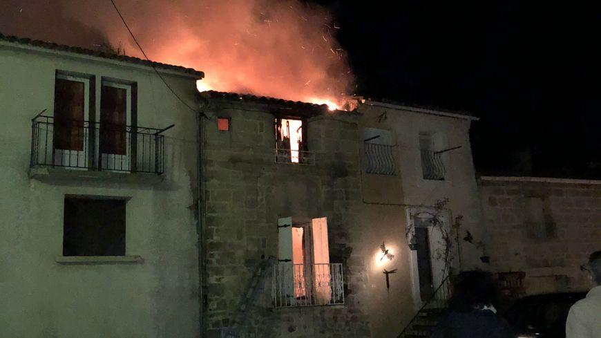 C'est un feu de cheminée qui est à l'origine de l'incendie.