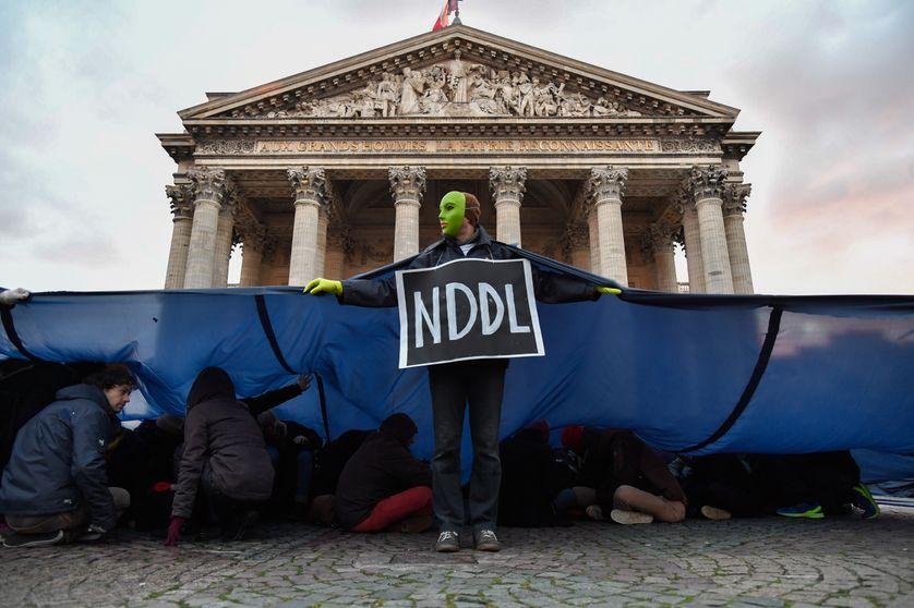 Manifestation devant l'Assemblée nationale le mardi 12 décembre 2017