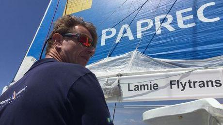 Jean-Pierre Dick navigue sur son Imoca