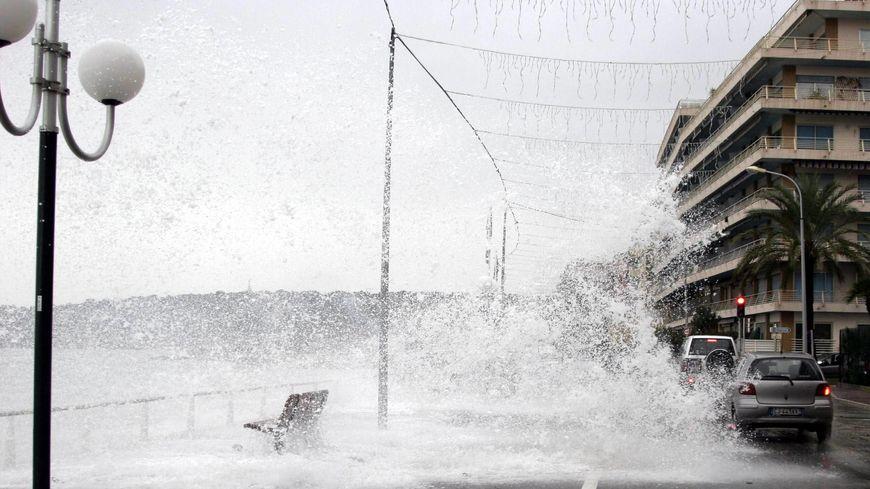 Triple vigilance météo dans les Alpes-Maritimes : pluies