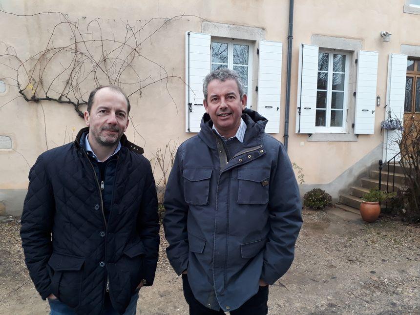 De gauche à droite, Stéphane Bidault le fondateur de Vitis Valorem et Damien Gachot, vigneron à Corgoloin