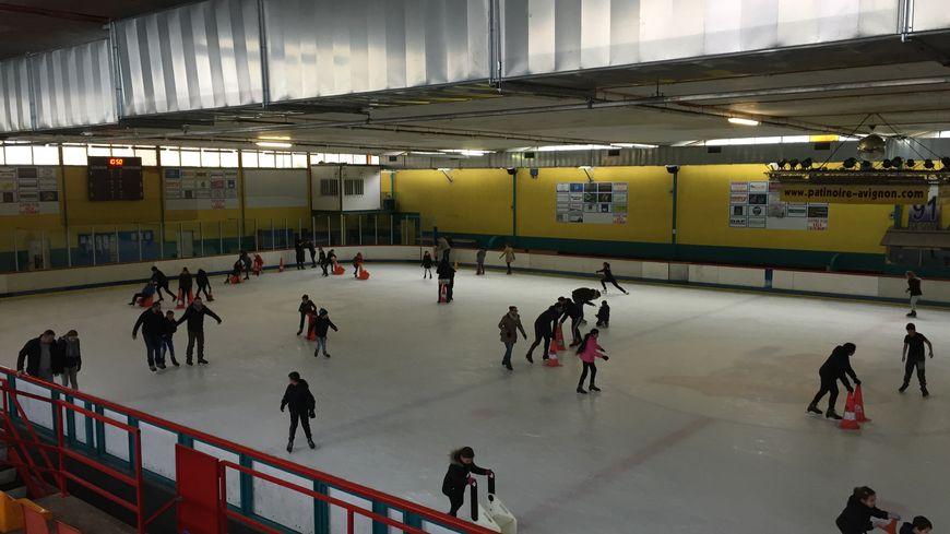 On estime à 100.000 personnes par an la fréquentation à la patinoire d'Avignon.