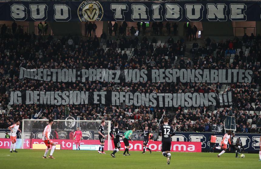 Les supporters ont exprimé leur mécontentement au Matmut Atlantique mercredi soir.