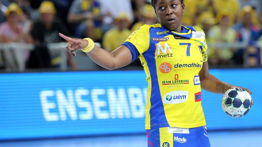 La capitaine de Metz Handball Grâce Zaadi