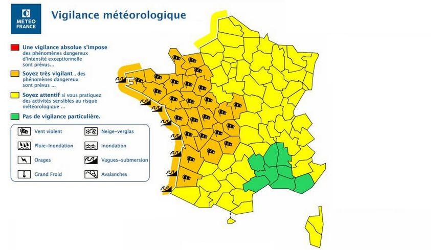 La carte de vigilance émise par Météo France à 16h ce dimanche.
