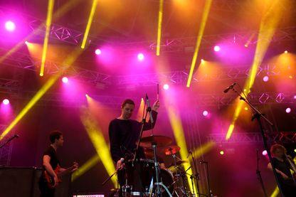 Rhye lors d'un concert à Lisbonne cet été