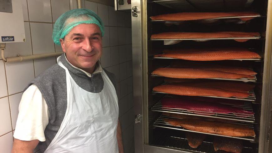 Thierry Salas, artisan fumeur de saumons depuis 16 ans.
