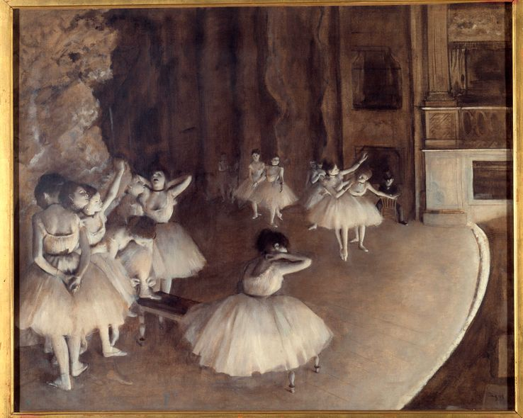 """""""Répétition d'un ballet sur la scène"""". Peinture d'Edgar Degas. Pour les danseuses et danseurs des pays de l'est, Paris et les scènes de France restent un rêve qui peut se transformer en cauchemar"""