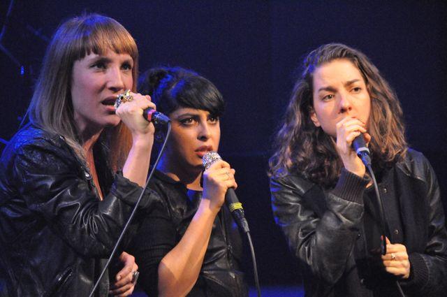 Garçons (Zaza Fournier, Carmen Maria Vega et Cléa Vincent)