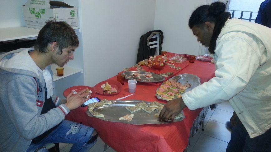 Une quarantaine de sans-abris ont pu apprécier ce repas de Noël organisé par l'association le Relais.