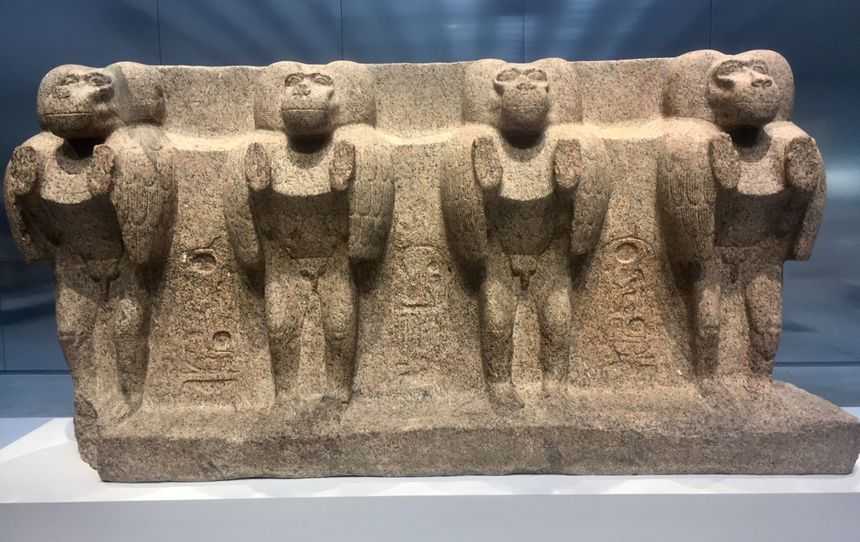 Les babouins du temple de Louxor vers 1200 avant Jésus Christ