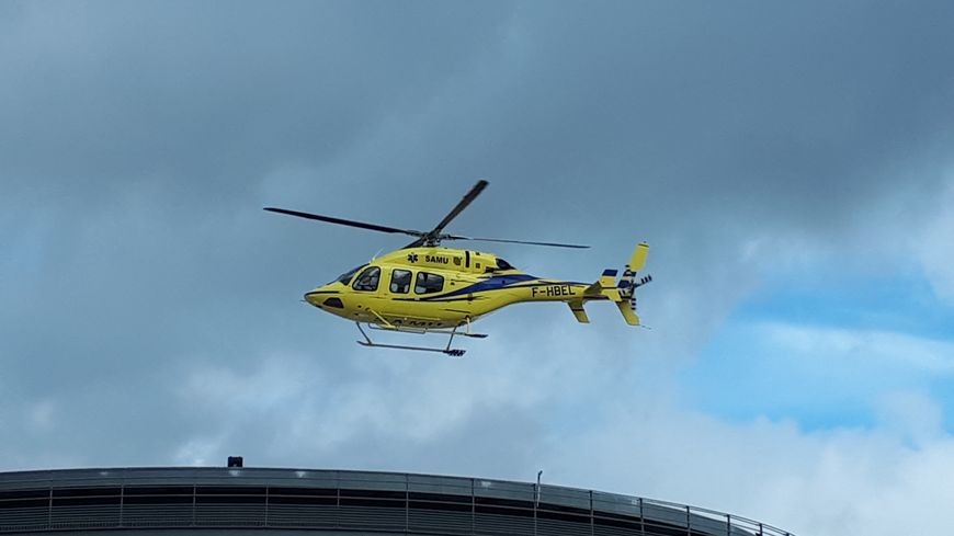 Hélicoptère du Samu 44