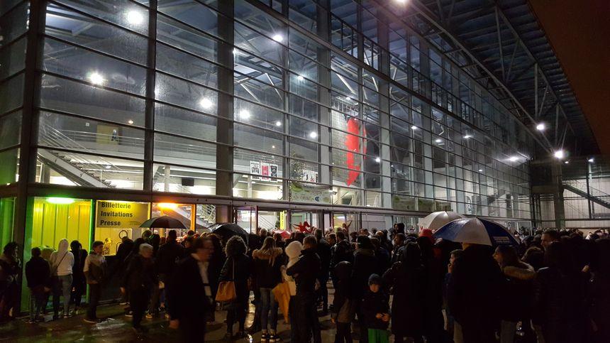 La forte affluence avant la rencontre aux Arènes de Metz. 5 200 personnes ont assisté au match, samedi 30 décembre.