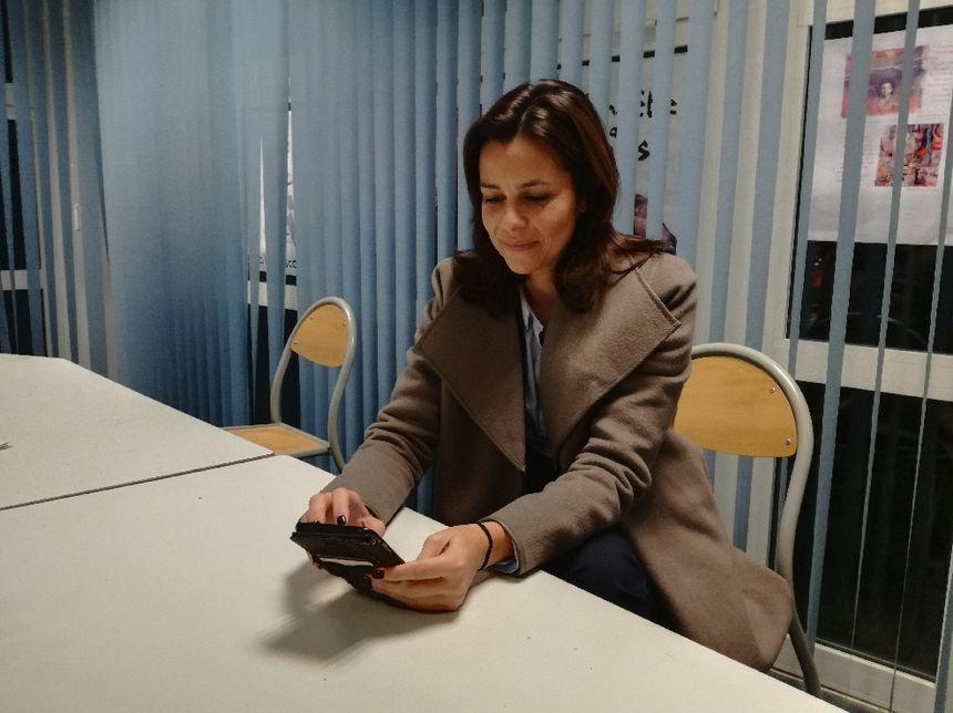 Valérie Bozzi dans l'attente des résultats dans sa mairie de Purtichju ce dimanche.