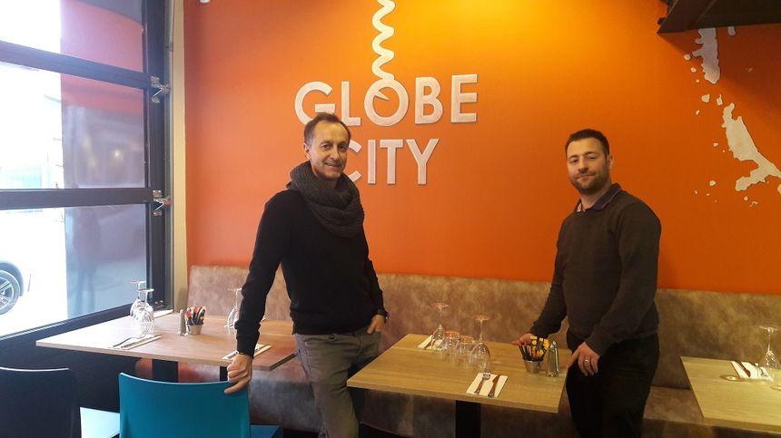Gérald Cherbland, fondateur de la franchise Globe, a confié la direction de son deuxième restaurant à Stéphane Moretton.