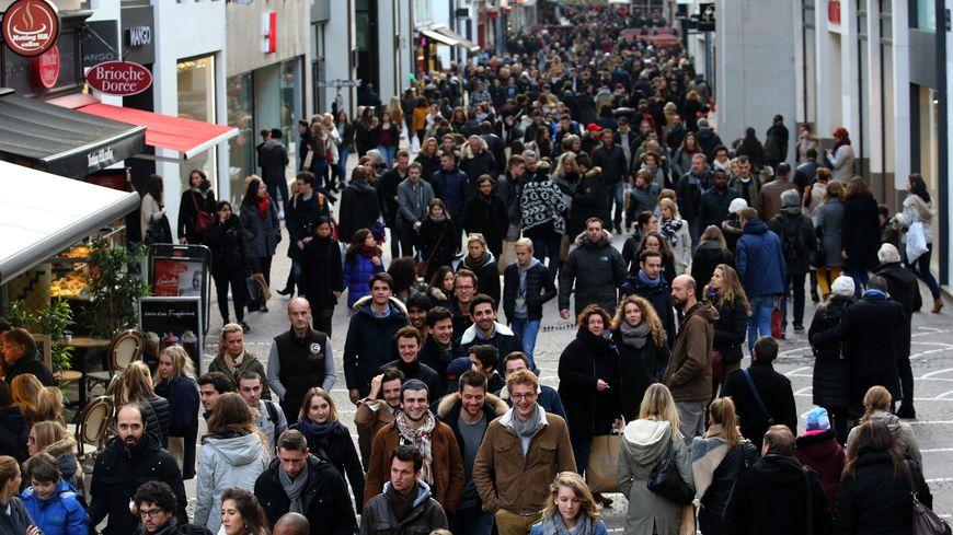 Avec 230 000 habitants, Lille est la ville des Hauts-de-France la plus peuplée.