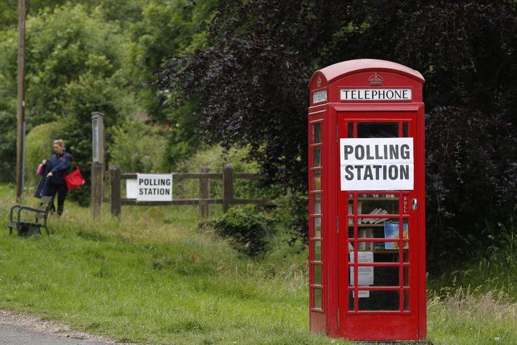 Tombée en désuétude, la célèbre cabine rouge britannique voit son utilisation de plus en plus souvent détournée.