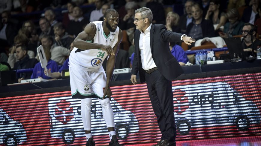Alain Koffi et Serge Crevecoeur à la manœuvre pour relancer l'Élan lundi à Bourg.