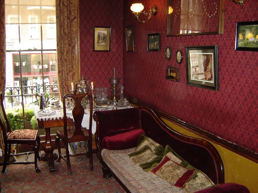 Photo of second floor sitting room set up at the Sherlock Holmes Museum in London England, 2007