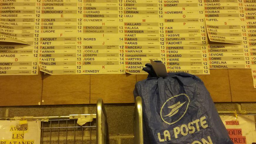 Le centre de colis La Poste à Dury enregistre des records pour Noël