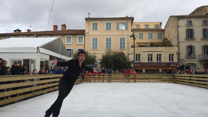 Brian Joubert, champion du monde de patinage artistique en 2007, était à Carpentras ce mardi, dans le cadre des Noëls Insolites