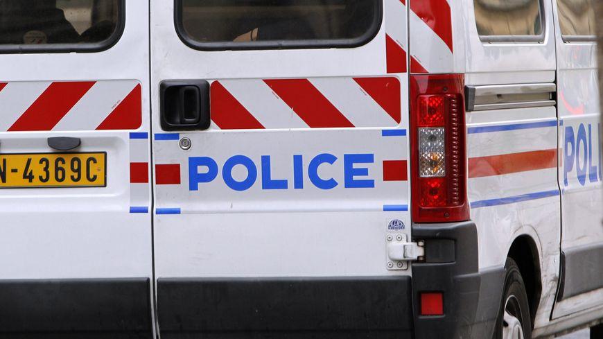 La police a été appelée par un voisin dans la nuit de vendredi à samedi suite à la défenestration d'une femme à Montreuil