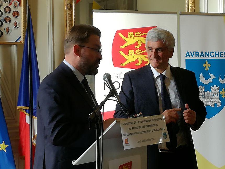 David Nicolas le maire d'Avranches avec Hervé Morin, le président de la Région Normandie