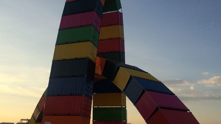 La catène de containers installée pour les 500 ans est devenue un symbole de la ville