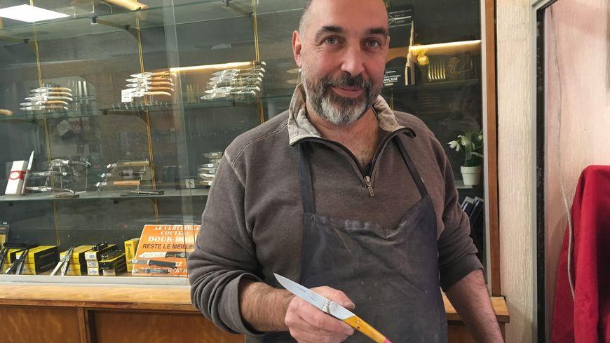 """Le couteau le """" Nimois"""" conçu et fabriqué par Jérome Domingo"""