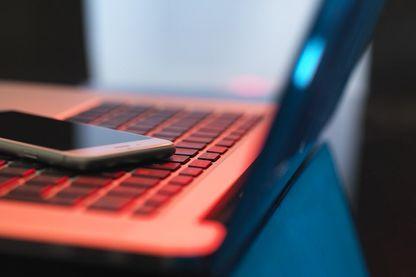 S'organiser contre le cyber harcèlement